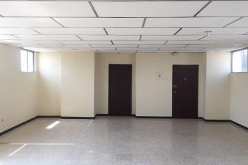 GeoBienes - Oficina en alquiler en Condominio Orellana, Los Rios y 1ero De Mayo, Guayaquil - Plusvalia Guayaquil Casas de venta y alquiler Inmobiliaria Ecuador