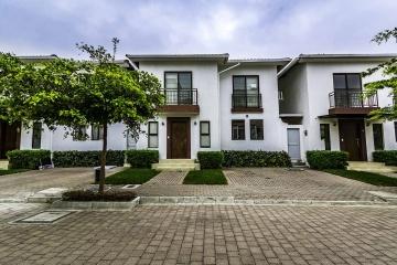 GeoBienes - Casa en Alquiler en Villas del Bosque Vía a La Costa - Guayaquil - Plusvalia Guayaquil Casas de venta y alquiler Inmobiliaria Ecuador