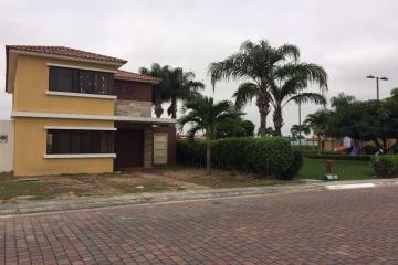 GeoBienes - Casa en Venta en Ciudad Celeste, Etapa La Marina - Samborondon - Plusvalia Guayaquil Casas de venta y alquiler Inmobiliaria Ecuador