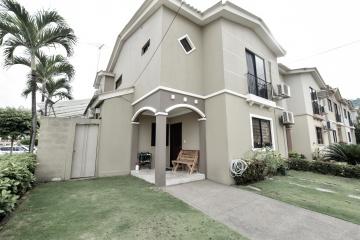 GeoBienes - Casa en venta en la Urbanización Plaza Madeira, Samborondón - Plusvalia Guayaquil Casas de venta y alquiler Inmobiliaria Ecuador