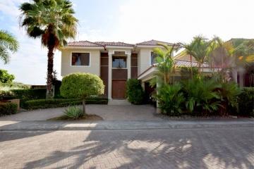 GeoBienes - Casa en venta en Laguna del Sol, Vía Samborondón - Plusvalia Guayaquil Casas de venta y alquiler Inmobiliaria Ecuador