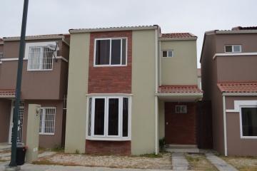GeoBienes - Casa en venta en urbanización La Perla Av Terminal Terrestre Pascuales    - Plusvalia Guayaquil Casas de venta y alquiler Inmobiliaria Ecuador