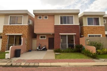 GeoBienes - Casa en venta en urbanización San Sebastián - Plusvalia Guayaquil Casas de venta y alquiler Inmobiliaria Ecuador