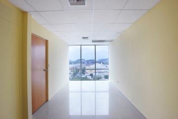 GeoBienes - Oficina en alquiler en el Edificio Blue Towers, Norte de Guayaquil - Plusvalia Guayaquil Casas de venta y alquiler Inmobiliaria Ecuador