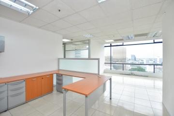 GeoBienes - Oficina en venta ubicada en el World Trade Center - Plusvalia Guayaquil Casas de venta y alquiler Inmobiliaria Ecuador