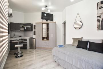 GeoBienes - Suite amoblada en alquiler ubicada en Urdesa Central - Plusvalia Guayaquil Casas de venta y alquiler Inmobiliaria Ecuador