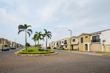 GeoBienes - Terreno en venta Urb. Mallorca Village, Vía Samborondón - Plusvalia Guayaquil Casas de venta y alquiler Inmobiliaria Ecuador