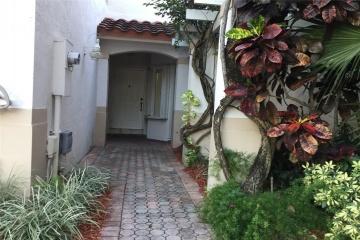 GeoBienes - Townhouse a la Venta en MIAMI en DORAL ISLES - Plusvalia Guayaquil Casas de venta y alquiler Inmobiliaria Ecuador
