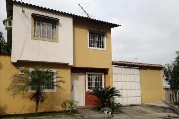 GeoBienes - Venta de casa en urbanización Colinas del Sol, Guayaquil, Ecuador - Plusvalia Guayaquil Casas de venta y alquiler Inmobiliaria Ecuador