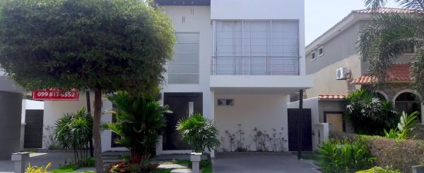 Alquilo casa en Terrasol  Samborondon