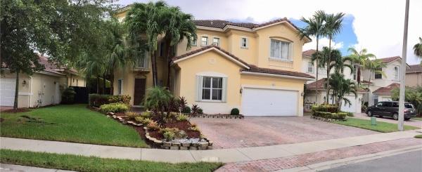 Casa a la Venta en Miami - Doral Isles
