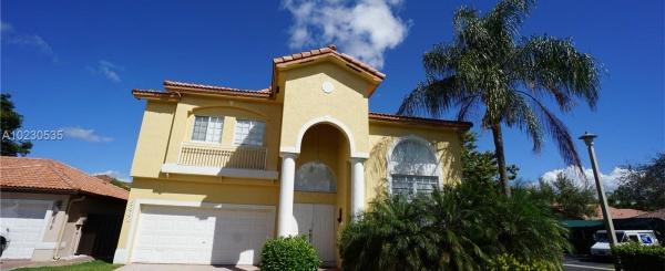 Casa a la Venta en Miami - DORAL ISLES CAYMAN