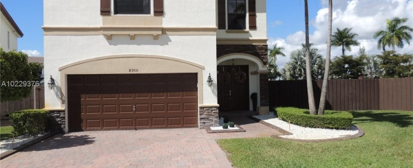 Casa a la Venta en Miami - Isles at Grand Bay Doral