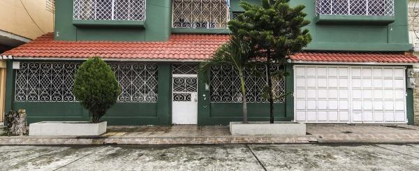 Casa en venta Cdla. Urdenor 1, Norte de Guayaquil