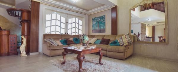 Casa en alquiler en la Urbanización Santa María de Casa Grande, Vía Samborondón