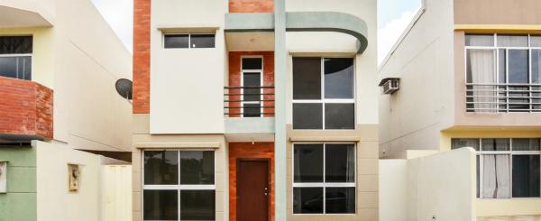 Casa en Alquiler en Urbanización Belo Horizonte sector Vía a la Costa