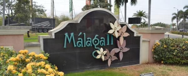 Casa en venta en urbanización Malaga II  Via Salitre - Samborondon