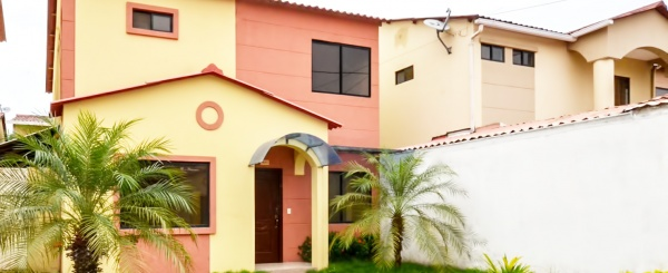 Casa en Alquiler en Urbanización Villa Club etp. Floral sector Vía Samborondón