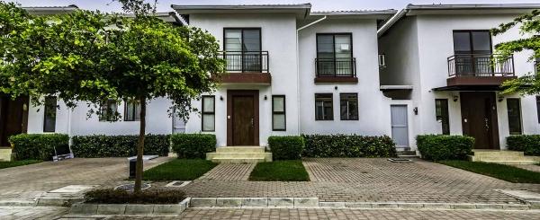 Casa en Alquiler en Villas del Bosque Vía a La Costa - Guayaquil