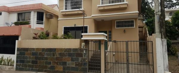 Casa en venta CEIBOS NORTE Guayaquil