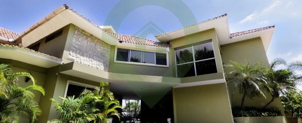 Casa en venta en Aquamarina vía a Samborondón