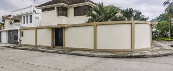 Casa en Venta en Colinas de Los Ceibos, Guayaquil