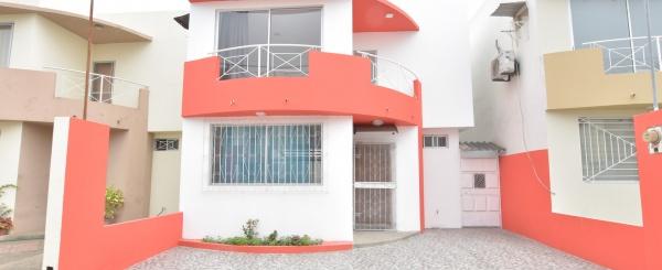 Casa en venta en la Urbanización Santorini