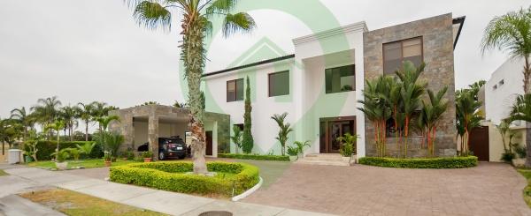 Casa en venta en Mocolí Golf Club vía a Samborondón