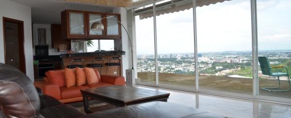 Casa en venta en urbanización Bellavista sector centro sur