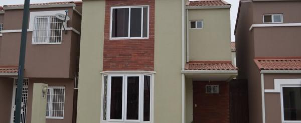 Casa en venta en urbanización La Perla Av Terminal Terrestre Pascuales
