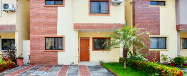 Casa en venta en Urbanización Milán sector Vía Salitre - Samborondón