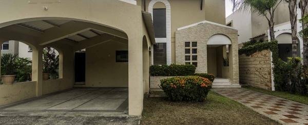 Casa en venta en Urbanización Villa Nueva,  Vía a Samborondón