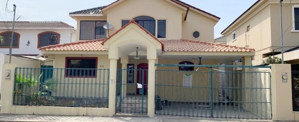 Casa en venta ubicada en Ceibos Norte, Norte de Guayaquil
