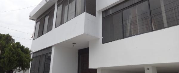 Casa ideal para empresas, Vendo CDLA. ADACE Increíble Ubicacion