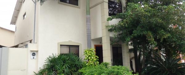 Casa Moderna en Venta Urb. Volare Samborondón Guayaquil