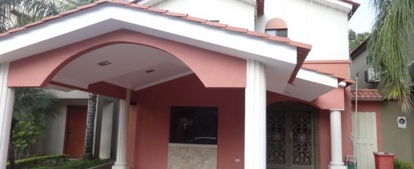 Ciudad Celeste en venta casa amoblada y decorada en Samborondón