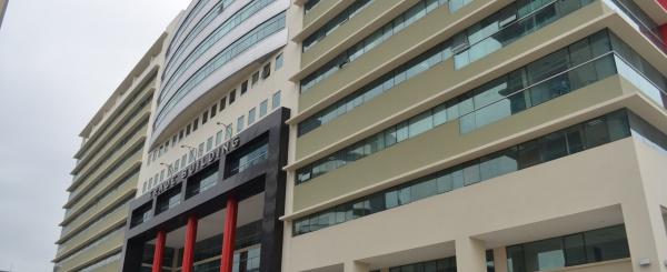 Oficina en alquiler en Edificio Trade Building sector Norte