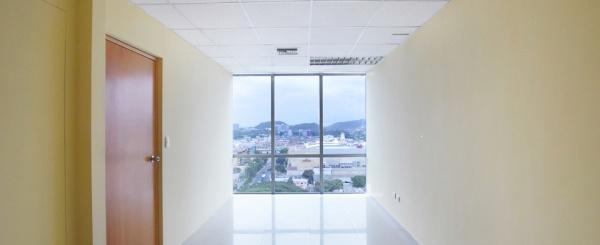 Oficina en alquiler en el Edificio Blue Towers, Norte de Guayaquil