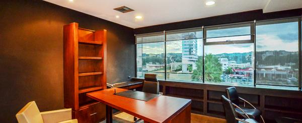 Oficina en alquiler en Kennedy sector norte de Guayaquil
