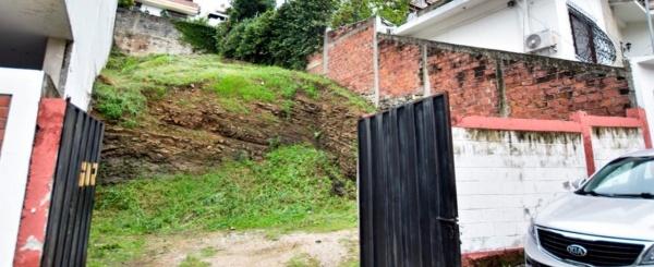 Terreno en venta Lomas de Urdesa, Guayaquil - Ecuador