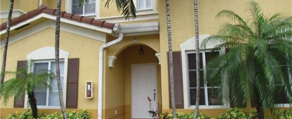Townhouse en Venta- Leeward Islands at DORAL