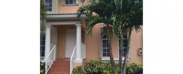 Townhouse en Venta- Veranda at Doral