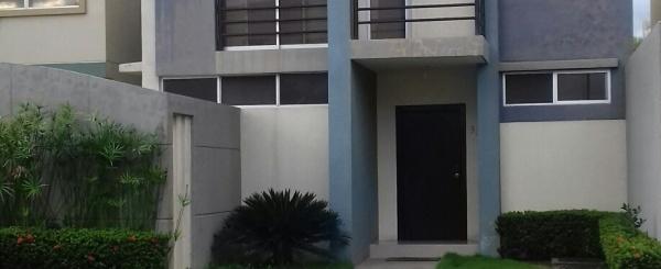 Vendo Casa en Urbanización Matices en vía Samborondon