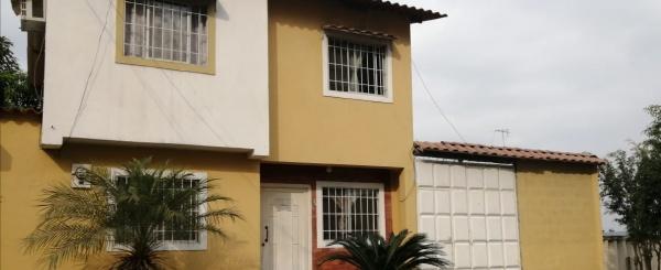 Venta de casa en urbanización Colinas del Sol, Guayaquil, Ecuador